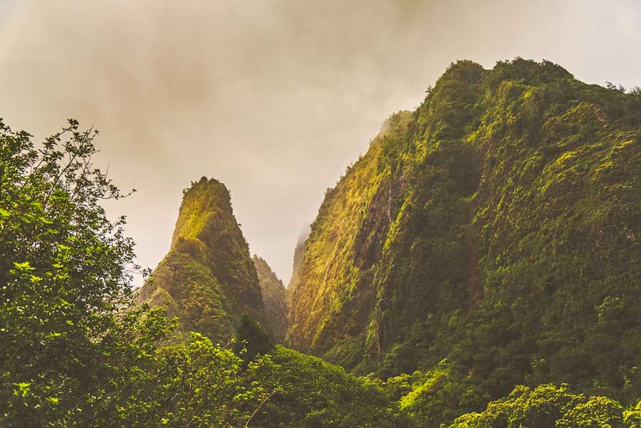 Exploring Iao valley state park in Maui