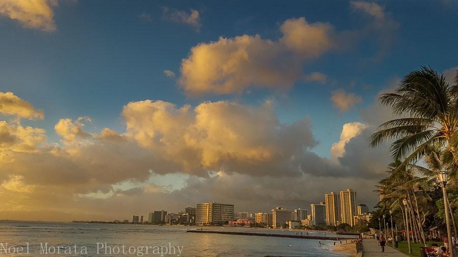 Waikiki tour along the shoreline
