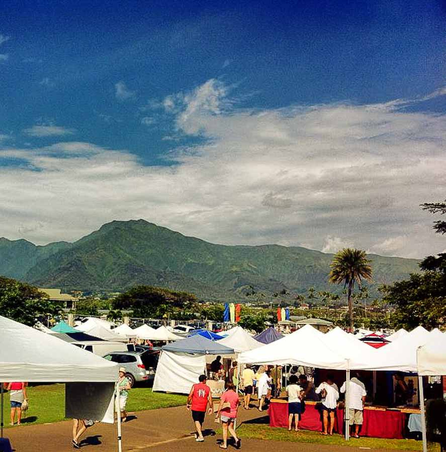 Swap meet in Maui