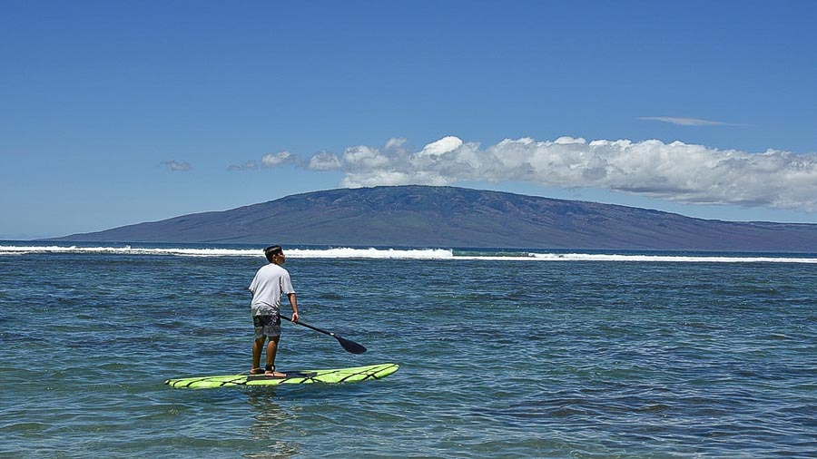 paddling-in-Maui