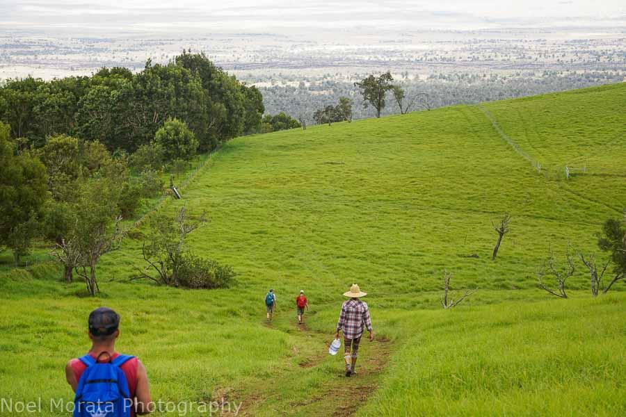 Walking downhill from Pu'uwa'awa'a