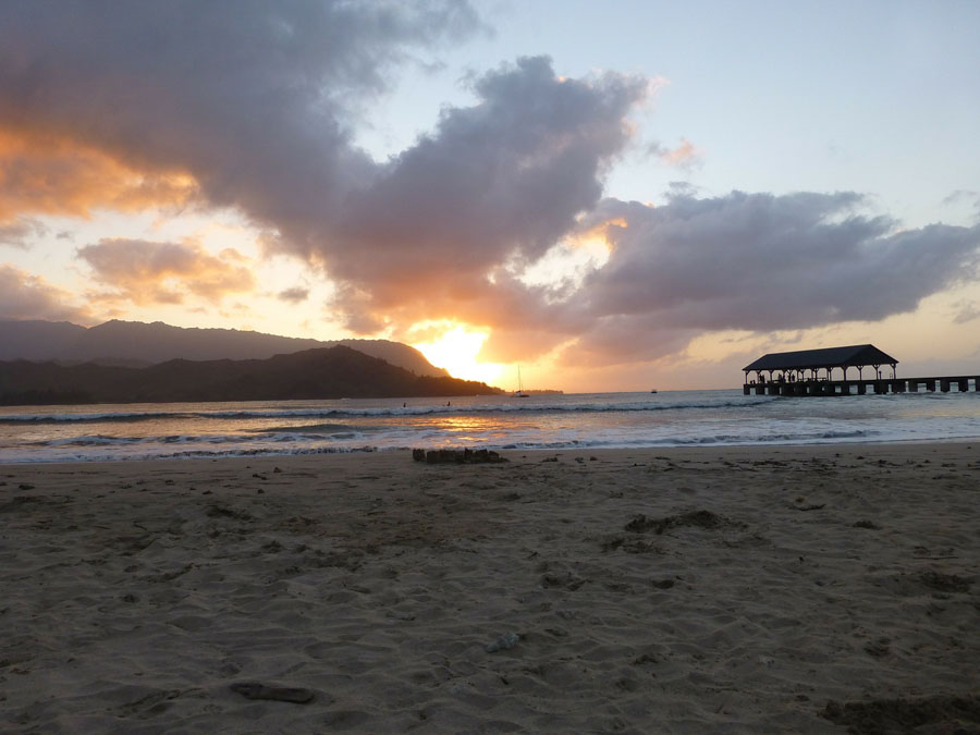 hanalei bay beach at sunset time