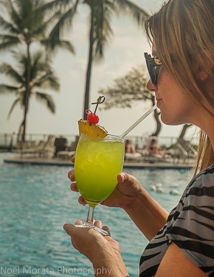 tropical drinks Do happy hour in Hawaii travel