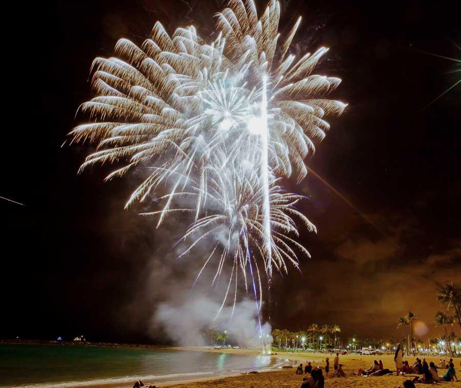 Enjoy free fireworks at night at the HIliton Hawaiian Village