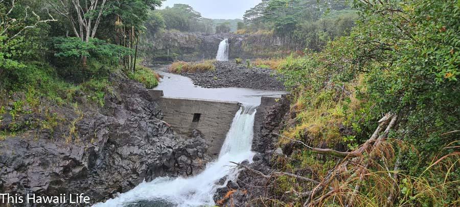 Pi'ihonua or Wai'iale falls above Hilo
