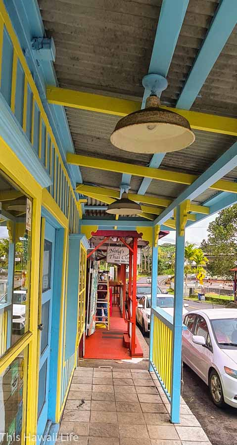 Walking the old town in Pahoa town