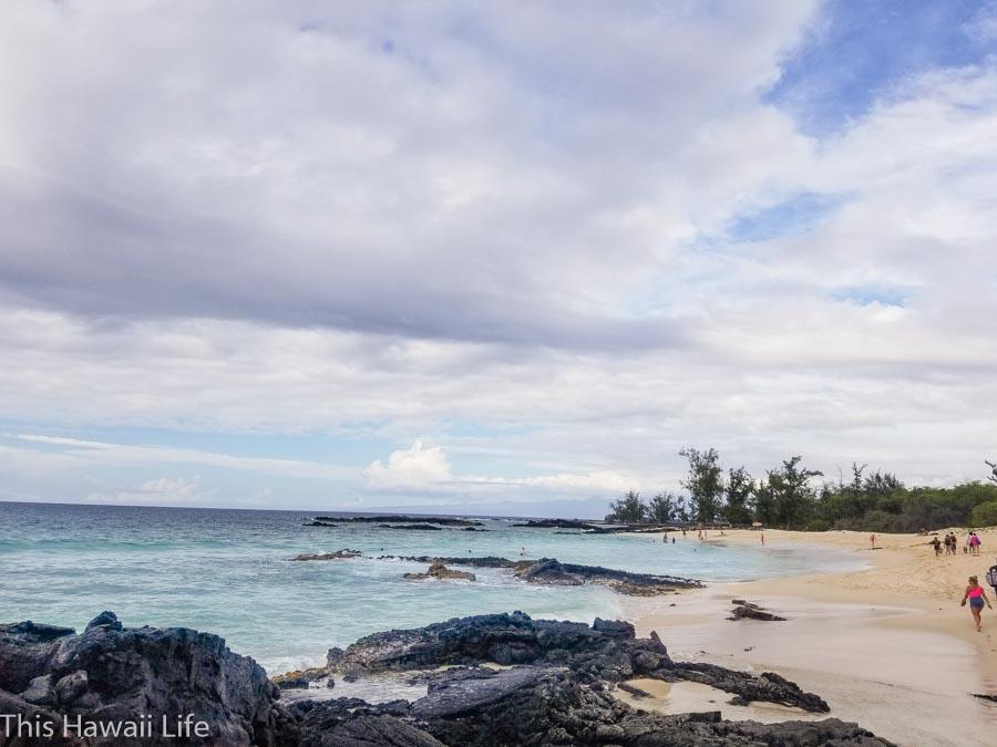 More details to hiking Makawena Beach