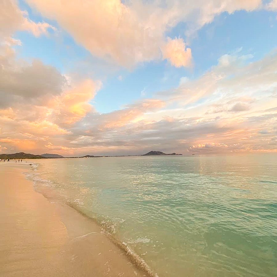 Stay overnight in Kailua