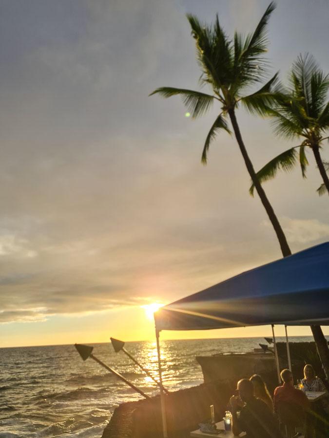 Amenities on Magic Sands Beach
