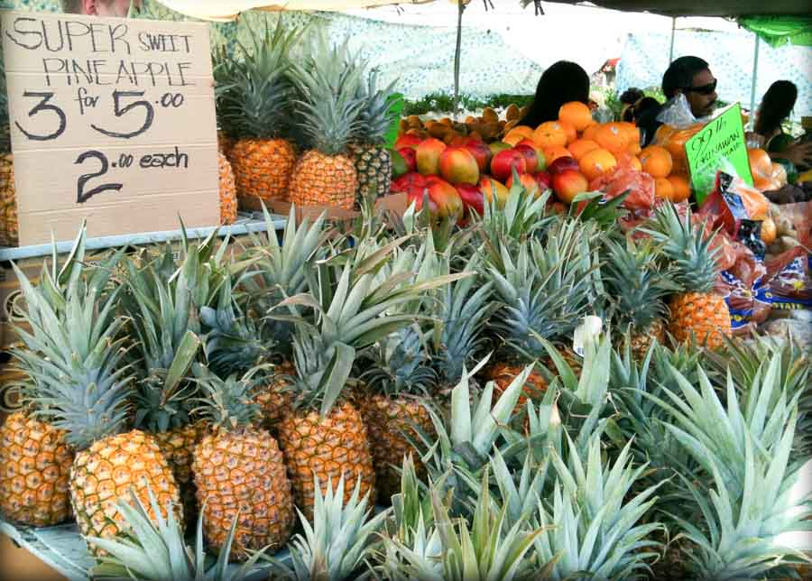 What to see and buy at Maku'u Market?