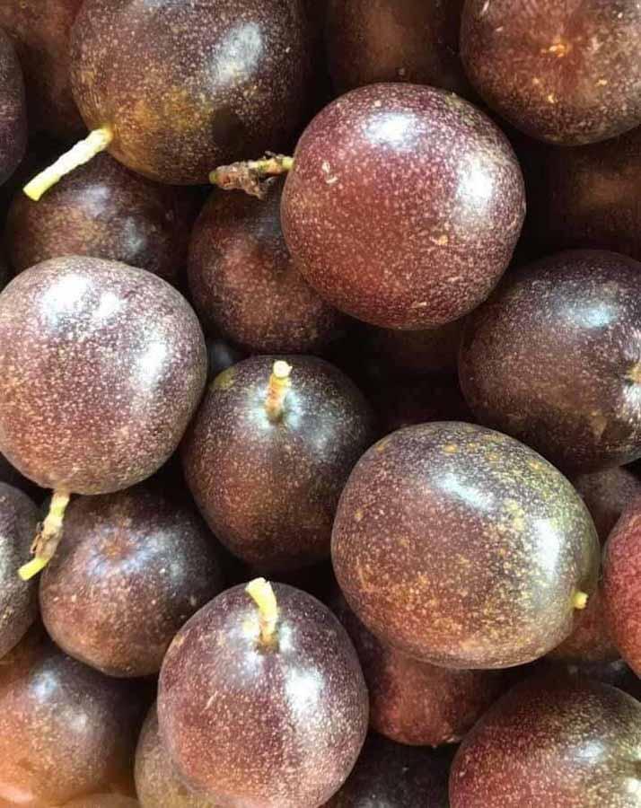 How do you eat Lilikoi (passionfruit)