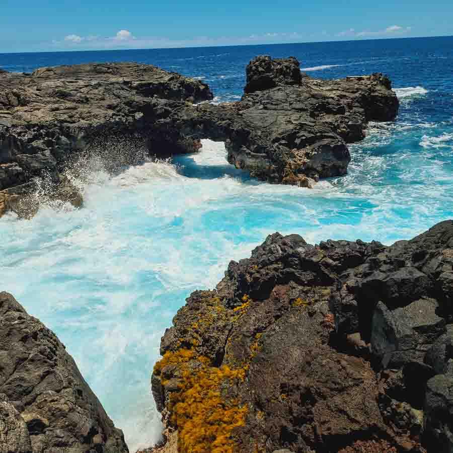 Gorgeous sea arch past Kamehame beach