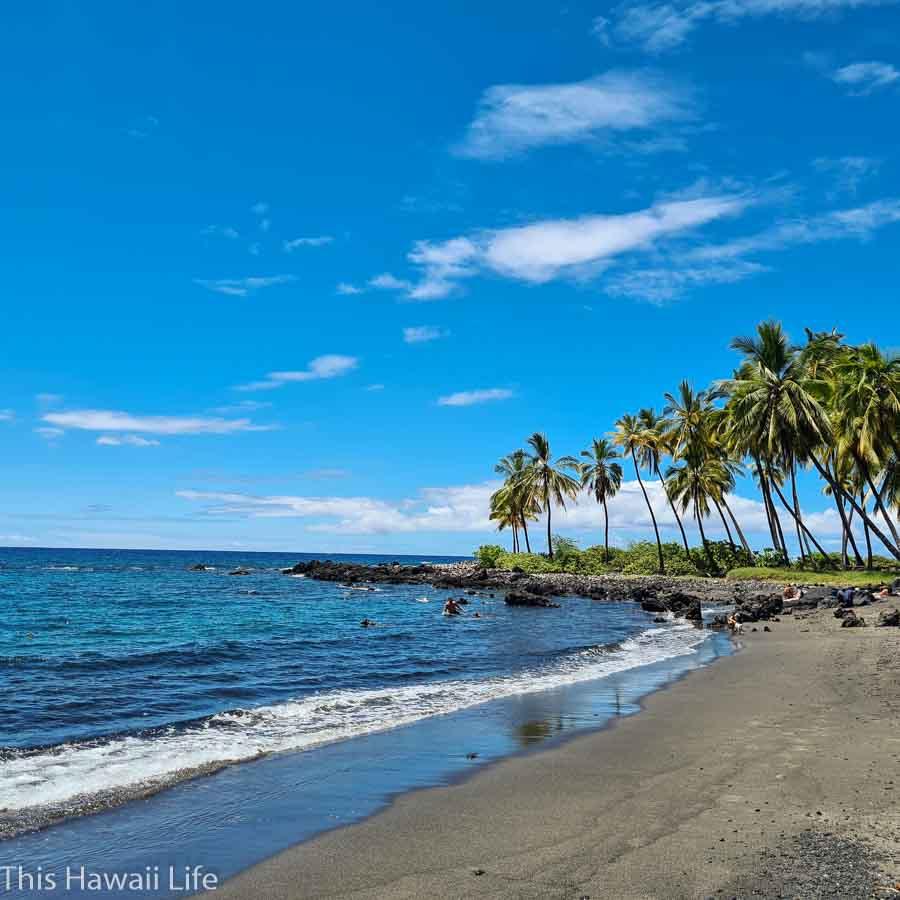 Honomalino beach area
